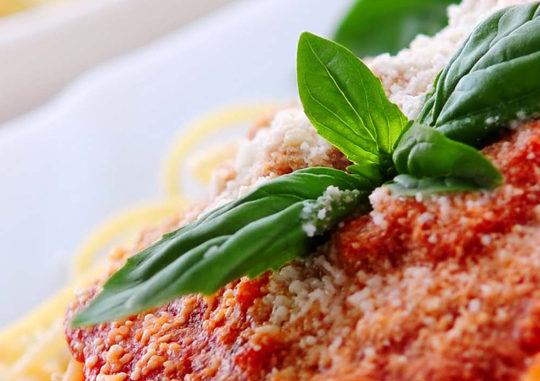 Привет из Италии: паста Болоньезе и пирожки Панцеротти