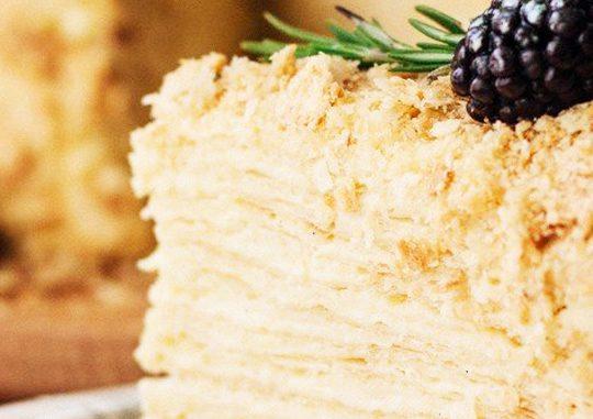 Торт «Наполеон» в ресторане «Александровский»